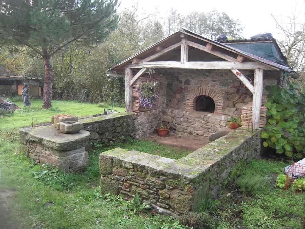 Restauration d'un four en maçonnerie de pierre et création de murets